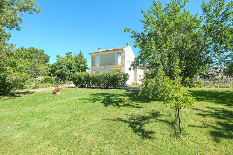 French property for sale in Aumagne, Charente-Maritime - €194,400 - photo 6