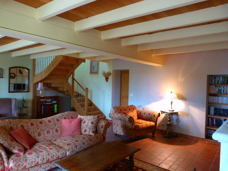 French property for sale in Vanzac, Charente-Maritime - €348,740 - photo 7