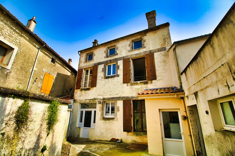 French property for sale in Villefagnan, Charente - €85,600 - photo 7