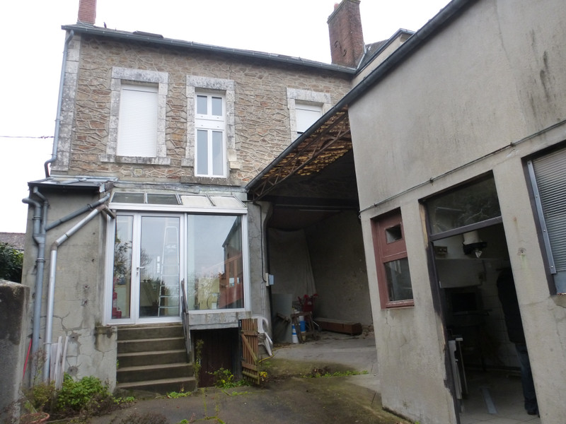 French property for sale in Saint-Sulpice-les-Feuilles, Haute-Vienne - €88,000 - photo 2