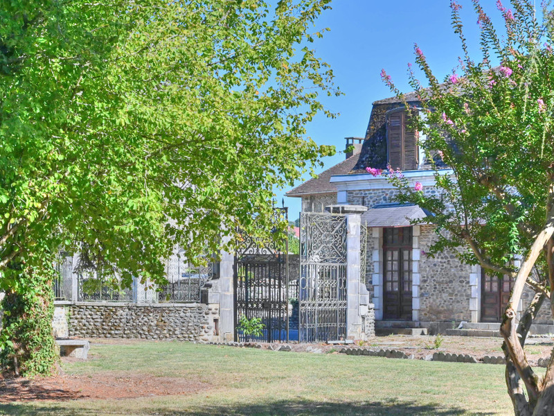 French property for sale in Sauveterre-de-Béarn, Pyrenees Atlantiques - €550,000 - photo 6