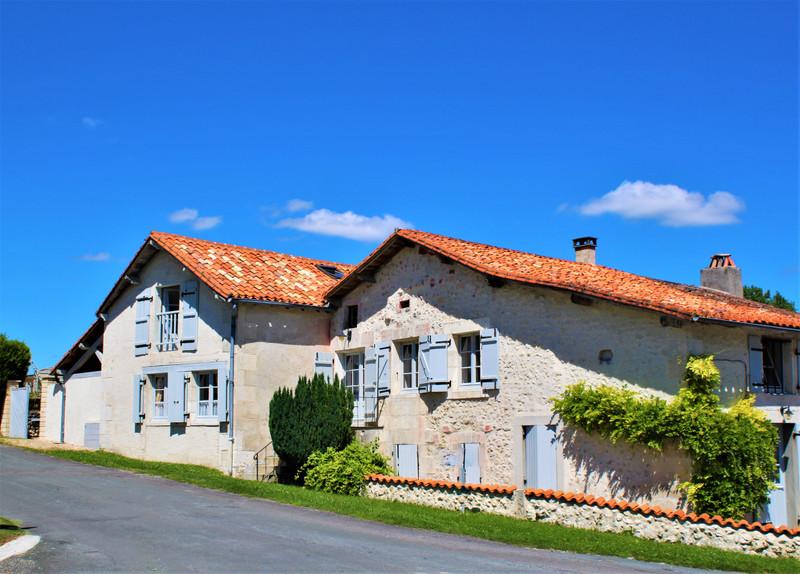 French property for sale in Bouteilles-Saint-Sébastien, Dordogne - €174,000 - photo 2