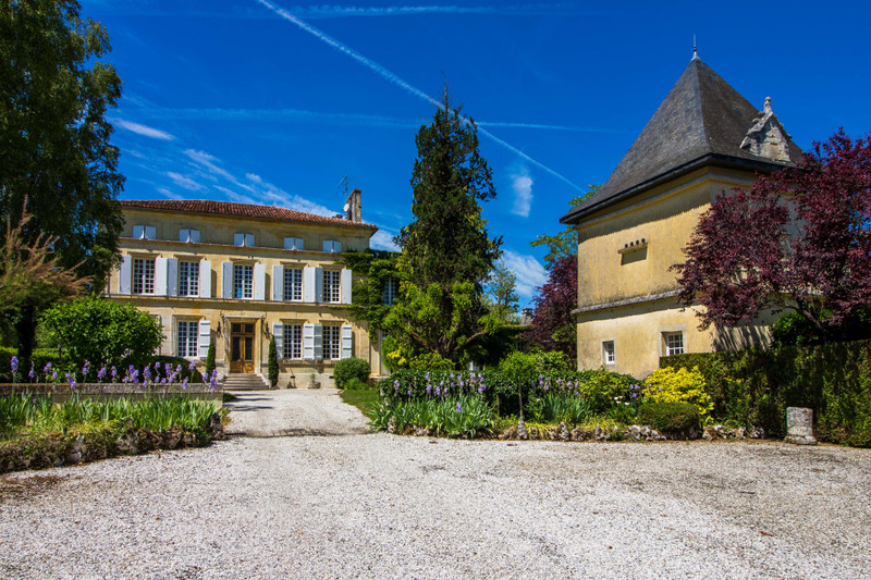 French property for sale in Fléac, Charente - €1,365,000 - photo 6