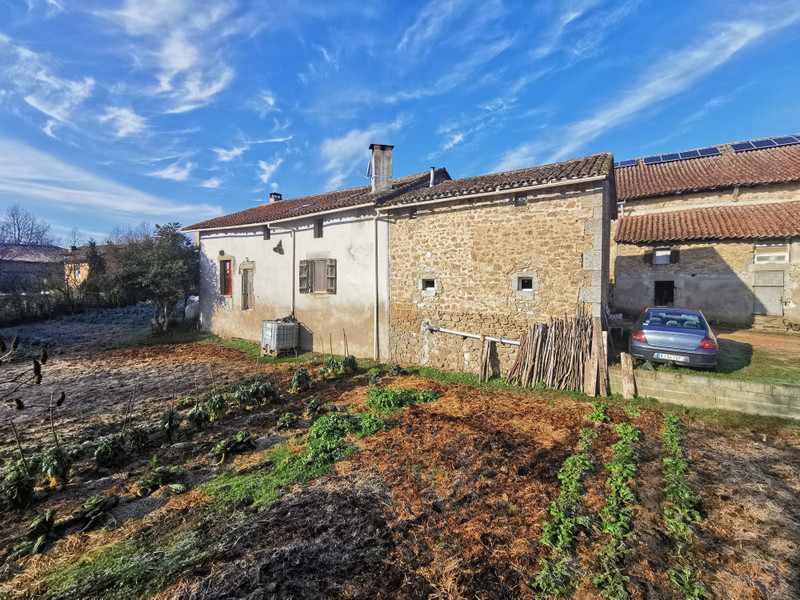 French property for sale in Nontron, Dordogne - €402,800 - photo 8