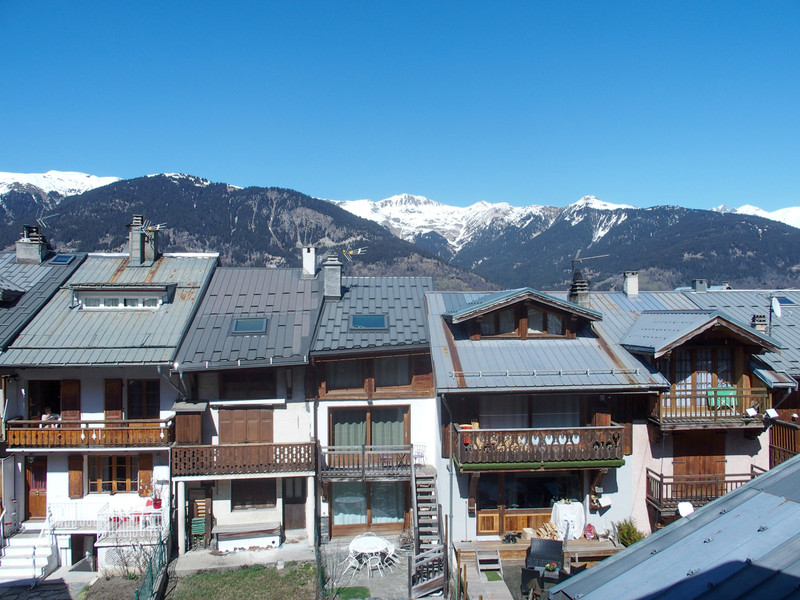 French property for sale in Courchevel, Savoie - €960,000 - photo 7