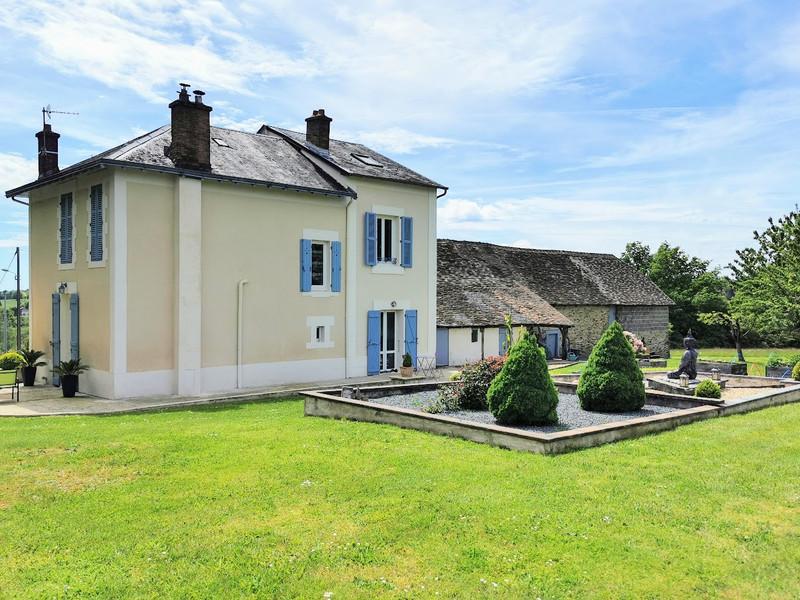 French property for sale in Saint-Yrieix-la-Perche, Haute-Vienne - €296,000 - photo 9