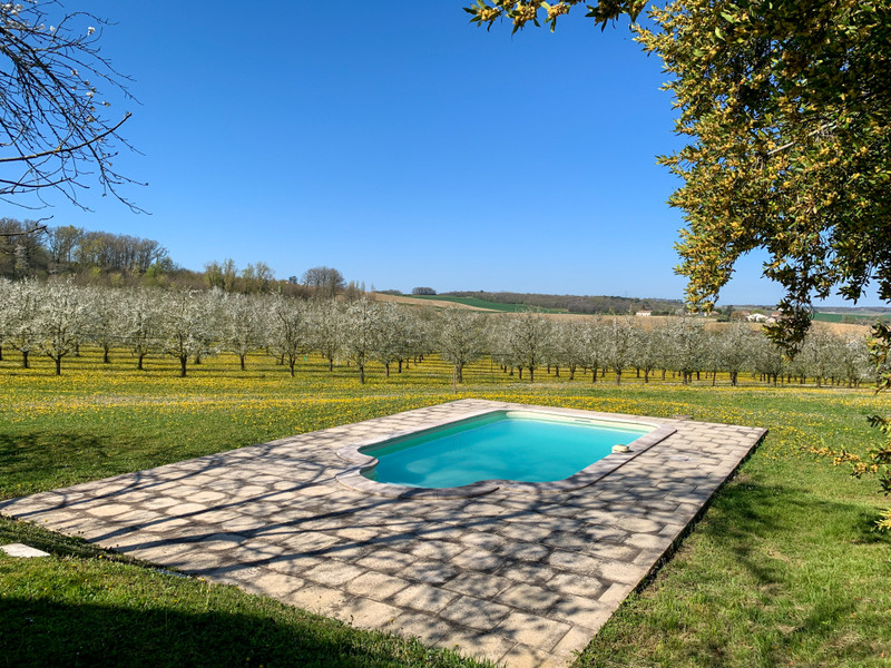 French property for sale in Duras, Lot et Garonne - €595,000 - photo 4