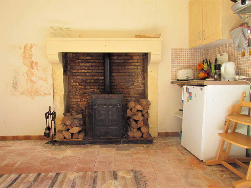 French property for sale in Pressac, Vienne - €36,000 - photo 2