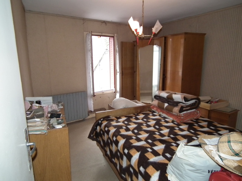 French property for sale in Auzances, Creuse - €31,600 - photo 7