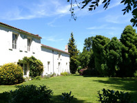 French property, houses and homes for sale inDœuil-sur-le-MignonCharente_Maritime Poitou_Charentes
