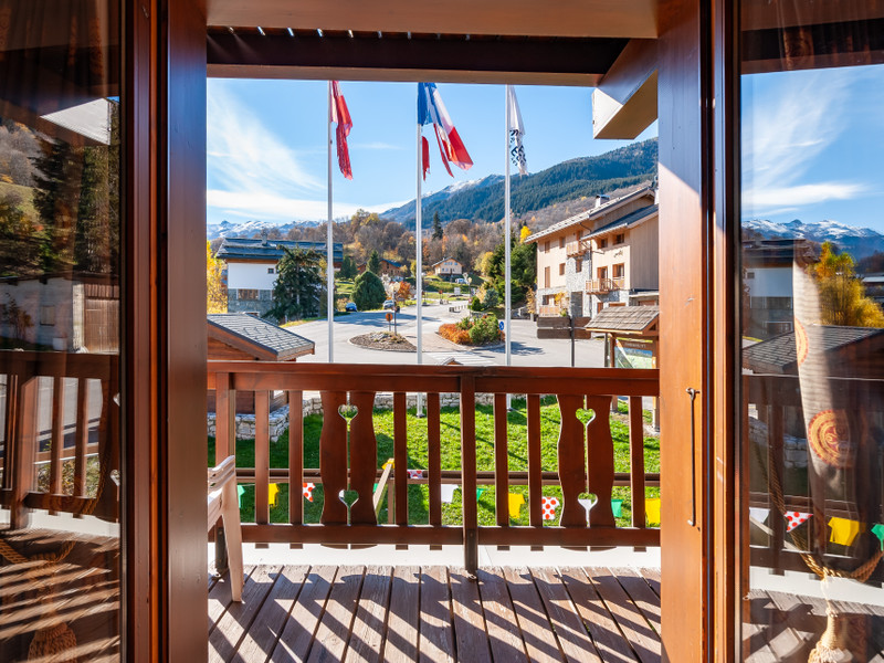 French property for sale in Les Allues, Savoie - €850,000 - photo 3