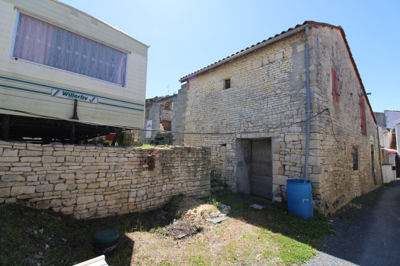 French property for sale in Anais, Charente - €36,600 - photo 4