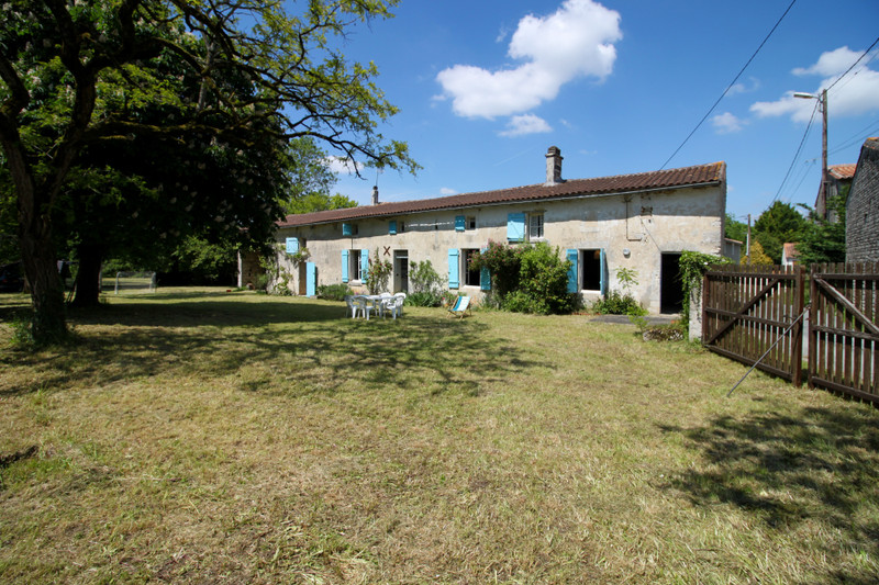 French property for sale in Fontaine-Chalendray, Charente-Maritime - €125,350 - photo 10