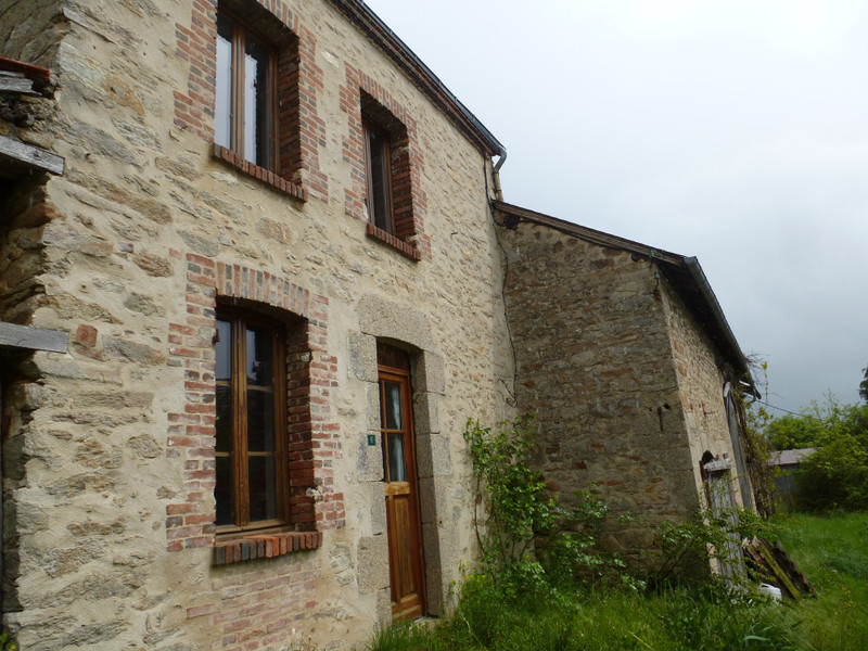 French property for sale in Dun-le-Palestel, Creuse - €71,600 - photo 2