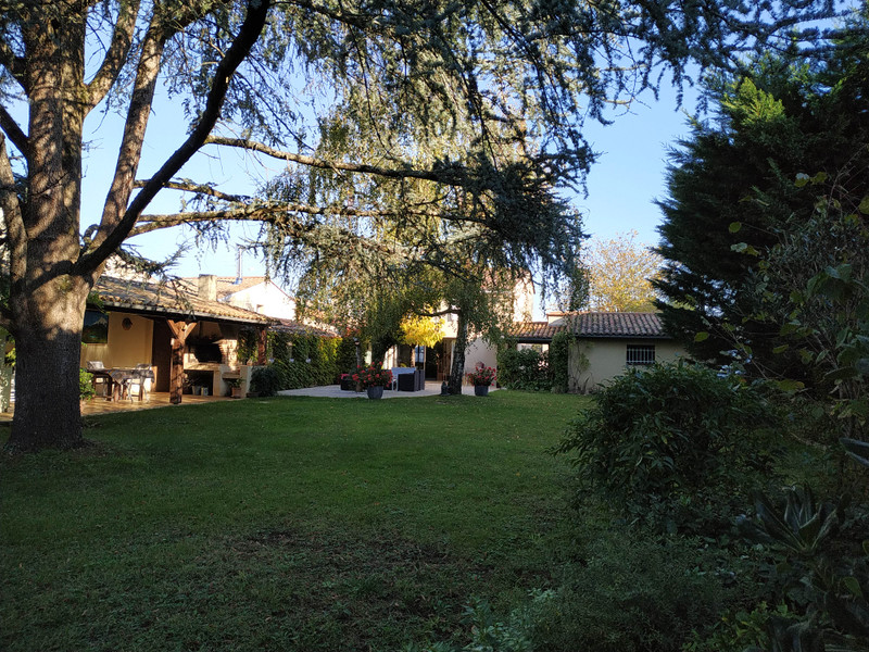 French property for sale in Coutras, Gironde - €360,400 - photo 3