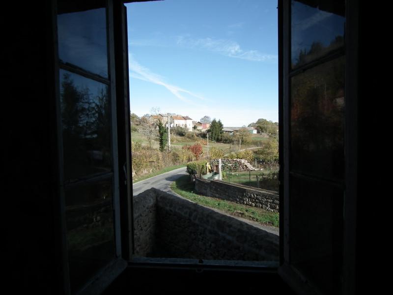 Maison à vendre à Auzances, Creuse - 25 000 € - photo 2