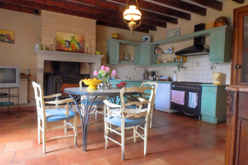 French property for sale in Neuffons, Gironde - €381,600 - photo 4