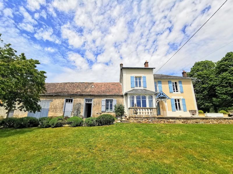French property for sale in Saint-Yrieix-la-Perche, Haute-Vienne - €296,000 - photo 10