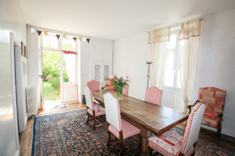French property for sale in Dampierre-sur-Boutonne, Charente-Maritime - €381,600 - photo 5