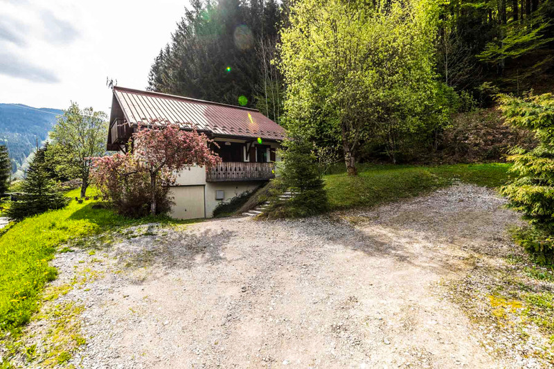 French property for sale in Morzine, Haute-Savoie - €575,000 - photo 2