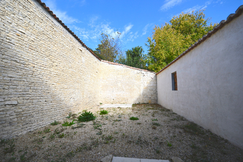 French property for sale in Beauvais-sur-Matha, Charente Maritime - €65,995 - photo 10