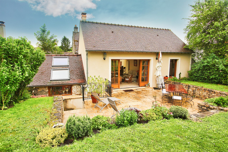 French property for sale in Dourdan, Essonne - €491,500 - photo 2