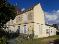 French property, houses and homes for sale inCastillon-la-BatailleGironde Aquitaine