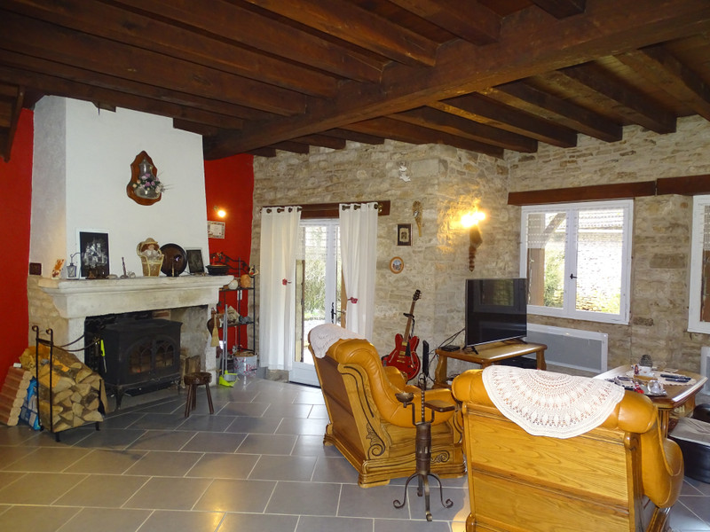 French property for sale in Cubjac, Dordogne - €265,000 - photo 3