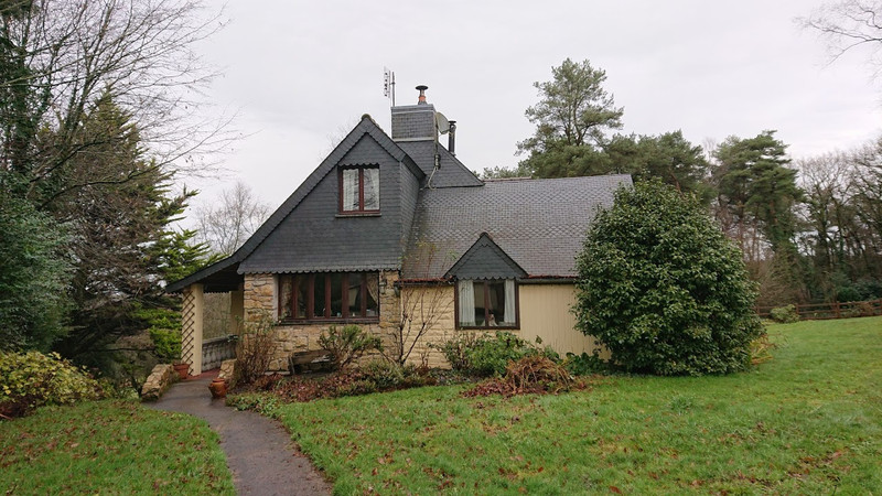 French property for sale in Plouray, Morbihan - €477,000 - photo 2