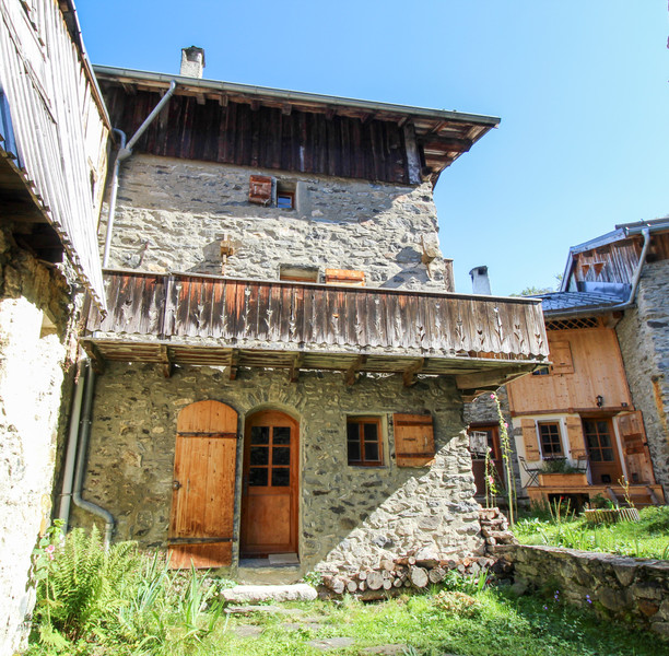 French property for sale in Courchevel, Savoie - €292,500 - photo 2