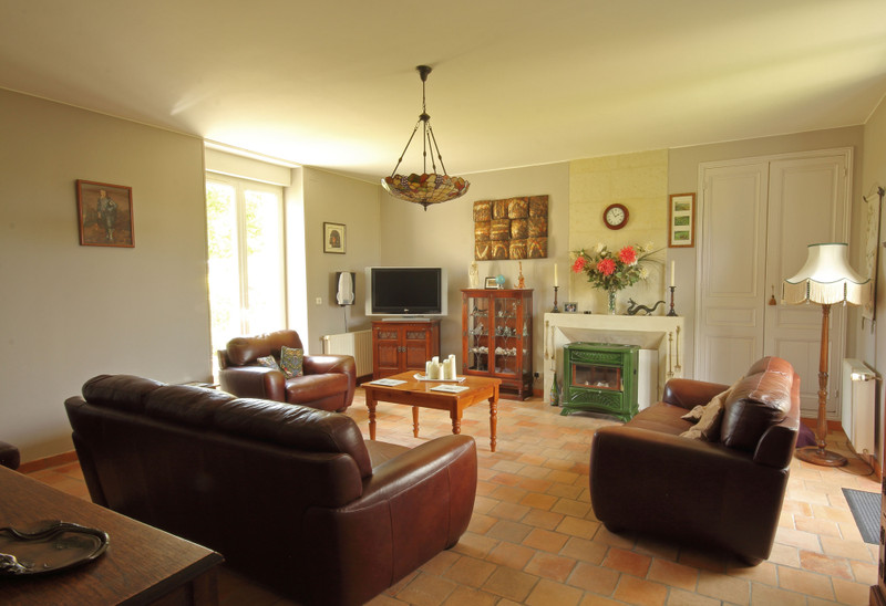French property for sale in Ceaux-en-Loudun, Vienne - €551,200 - photo 3