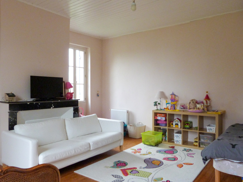 French property for sale in Marmande, Lot et Garonne - €386,900 - photo 5