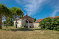 French property, houses and homes for sale inMontcuq-en-Quercy-BlancLot Midi_Pyrenees