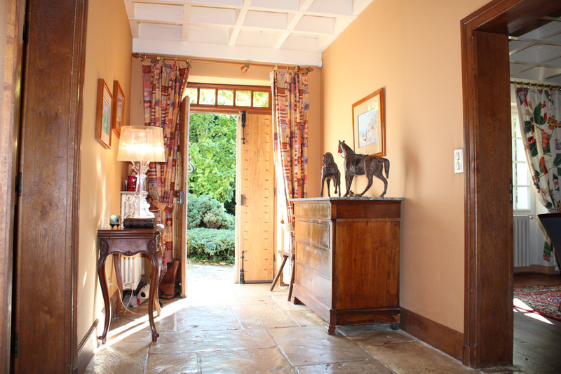 French property for sale in Chadurie, Charente - €455,800 - photo 5