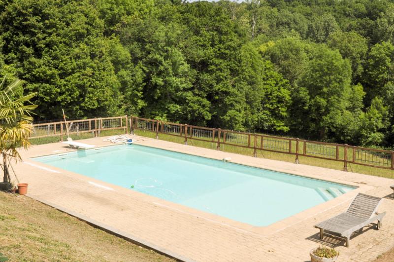 Maison à vendre à Nontron, Dordogne - 349 800 € - photo 2