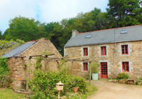 French property, houses and homes for sale in Saint-Nicolas-du-Pélem Côtes-d'Armor Brittany
