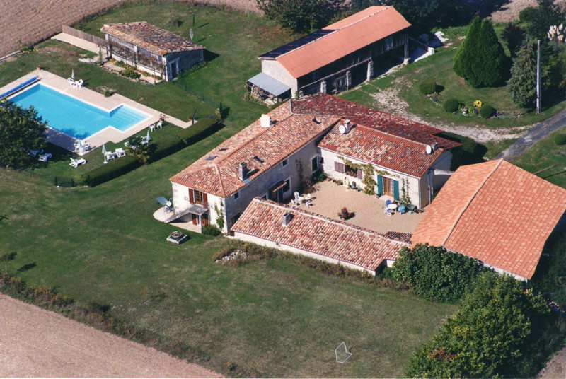 French property for sale in Villebois-Lavalette, Charente - €374,000 - photo 6