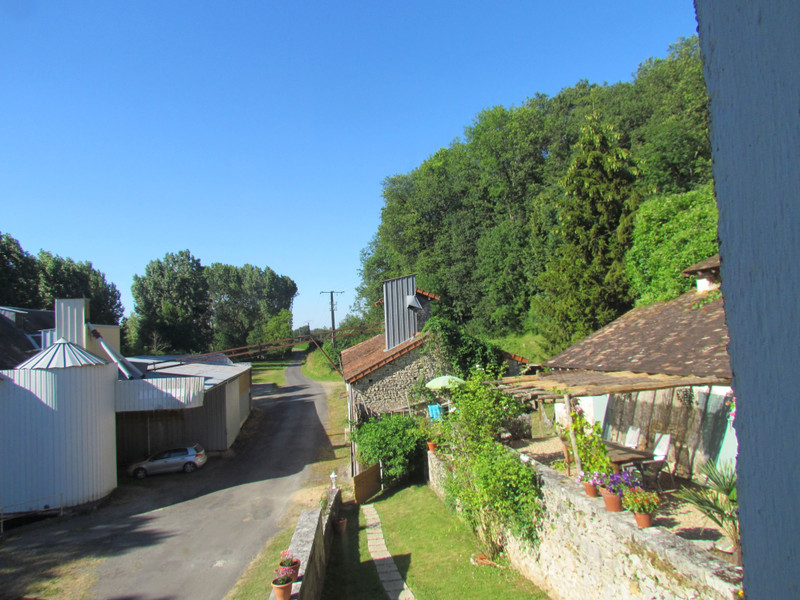 French property for sale in Antigny, Vienne - €77,000 - photo 4