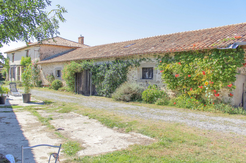 French property for sale in Lageon, Deux Sevres - €233,260 - photo 2
