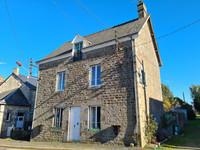 French property, houses and homes for sale inCouesmes-VaucéMayenne Pays_de_la_Loire