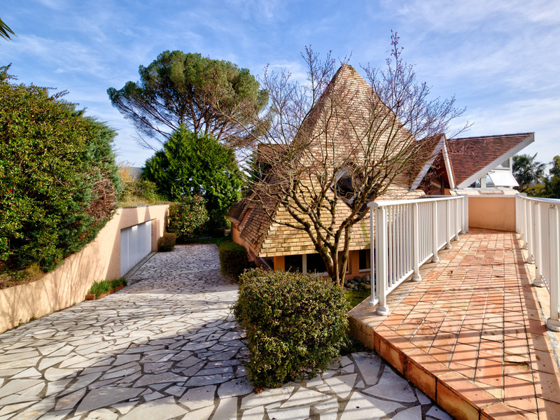 French property for sale in Pau, Pyrénées-Atlantiques - €665,600 - photo 9