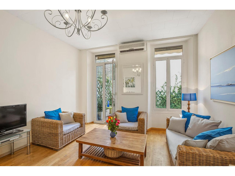 French property for sale in Cannes, Alpes Maritimes - €448,380 - photo 3