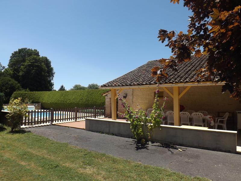 French property for sale in Aubigné, Deux-Sèvres - €183,600 - photo 6