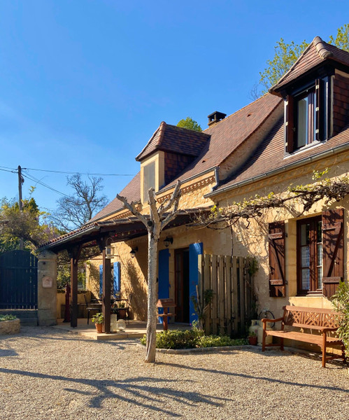 French property for sale in Mauzens-et-Miremont, Dordogne - €551,250 - photo 2
