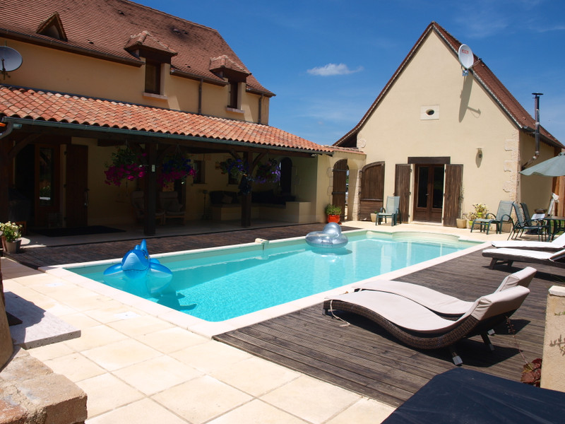 French property for sale in Montignac, Dordogne - €483,000 - photo 2