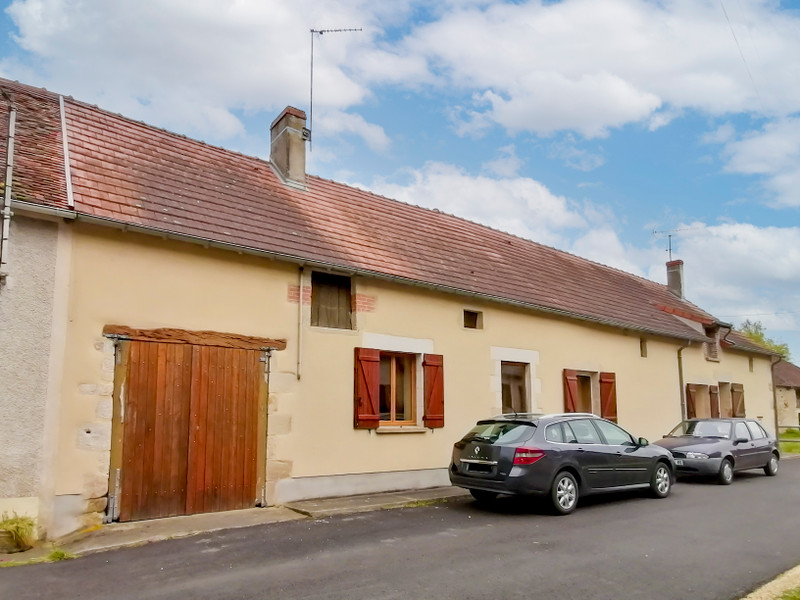 French property for sale in Thollet, Vienne - €119,900 - photo 2