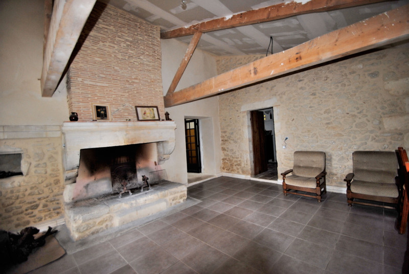 French property for sale in Doulezon, Gironde - €1,627,500 - photo 9