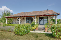 houses and homes for sale inChamps-RomainDordogne Aquitaine