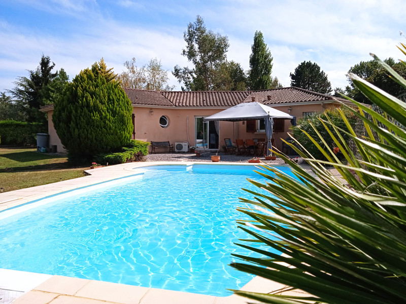 French property for sale in Le Fleix, Dordogne - €280,900 - photo 2