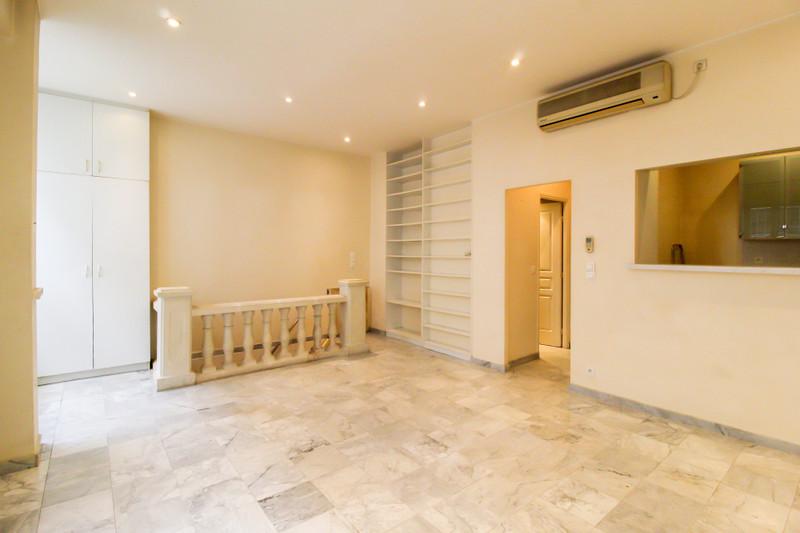 French property for sale in Paris 11e Arrondissement, Paris - €530,000 - photo 3
